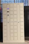 40门手机柜40门工厂员工手机柜,挂锁式手机柜,带充电手机柜